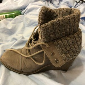 Heeled winter booties